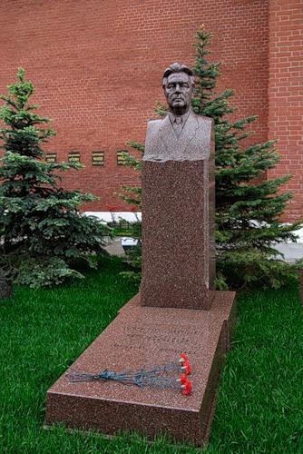 могила Брежнева